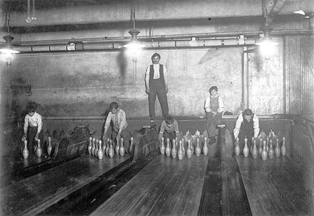 1. Bowling Alley Pinsetter (1)