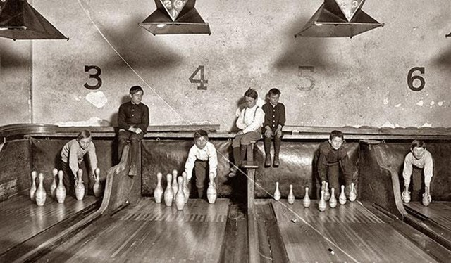 1. Bowling Alley Pinsetter (2)